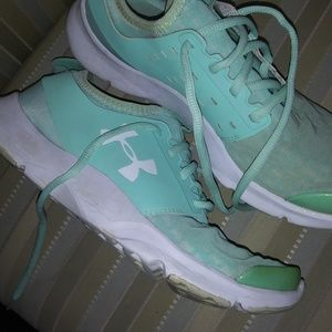Ladies Under Armour Sneakers Sea Foam Green Sz 8.5